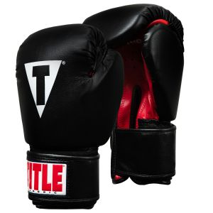 TITLE Classic Boxing Gloves Regular Black/Red